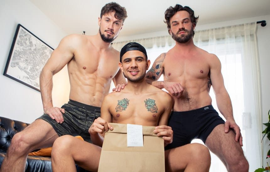 Masqulin: Roommates James Fox and Skyy Knox double-penetrate delivery guy Alex Montenegro