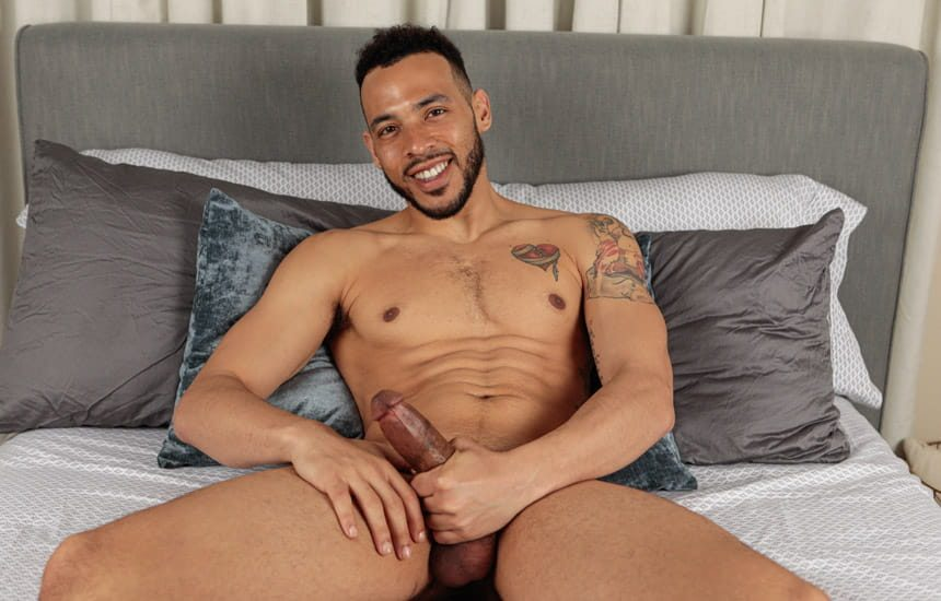 Stag Collective: Elijah Wilde rubs out a big load in a hot solo scene