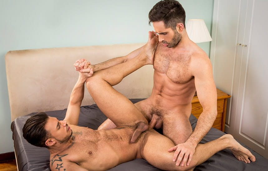 """Sergyo Caruso is back and bottoms for Michael Lucas in """"Huge & Brutal Manhood"""" (scene 4)"""